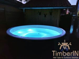 Badestamp glassfiber med integrert ovn bobler (5)