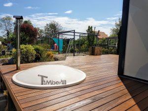 Badestamp i glassfiber på terrasse – nedfelt – innbygging (1)