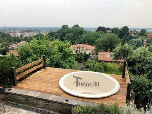 Klassisk badestamp med eksterne vedovn (1)