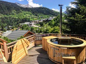 Vedfyrt badestamp i glassfiber med innvendig ovn (5)
