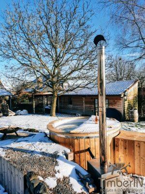Vedfyrt badestamp i glassfiber med utvendig ovn (3)