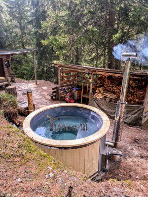 Utendørs vedfyrt badestamp i glassfiber (2)