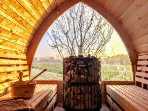 Utendørs trebastu for hage igloo design
