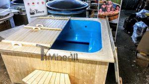 Badestamp i plast firkantet jacuzzi for max 16 personer (1)