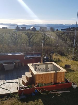 Badestamp i plast firkantet jacuzzi, Sissel, Storfosna, Norway