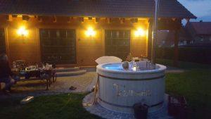 Utendørs hage jacuzzi badestamp spesialtilbud (13)