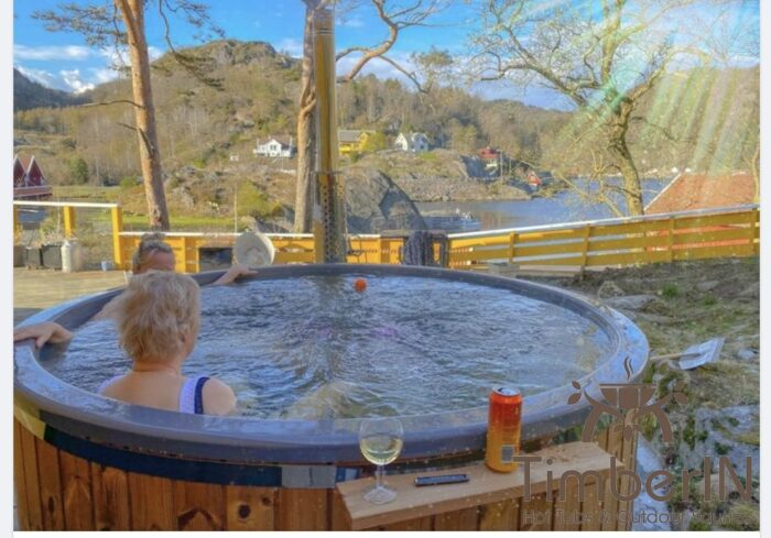 Vedfyring badestamp med bobler TImberIN Rojal, Sidsel, Hauge i Dalane, Norge