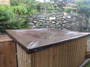 Presenning lett deksel for badestamp